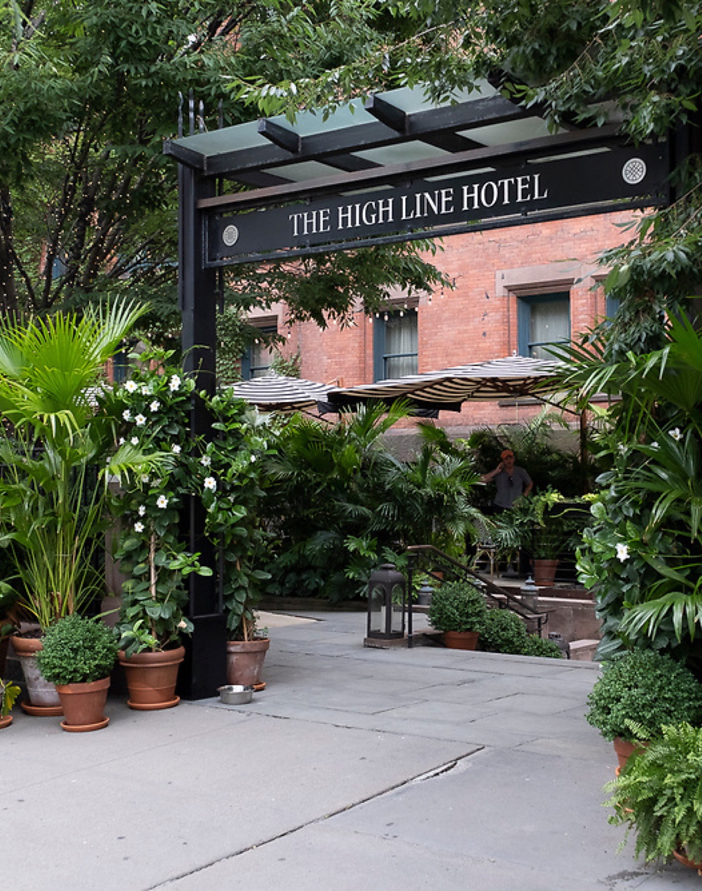 the high line hotel near 532 W 20 condos in west chelsea