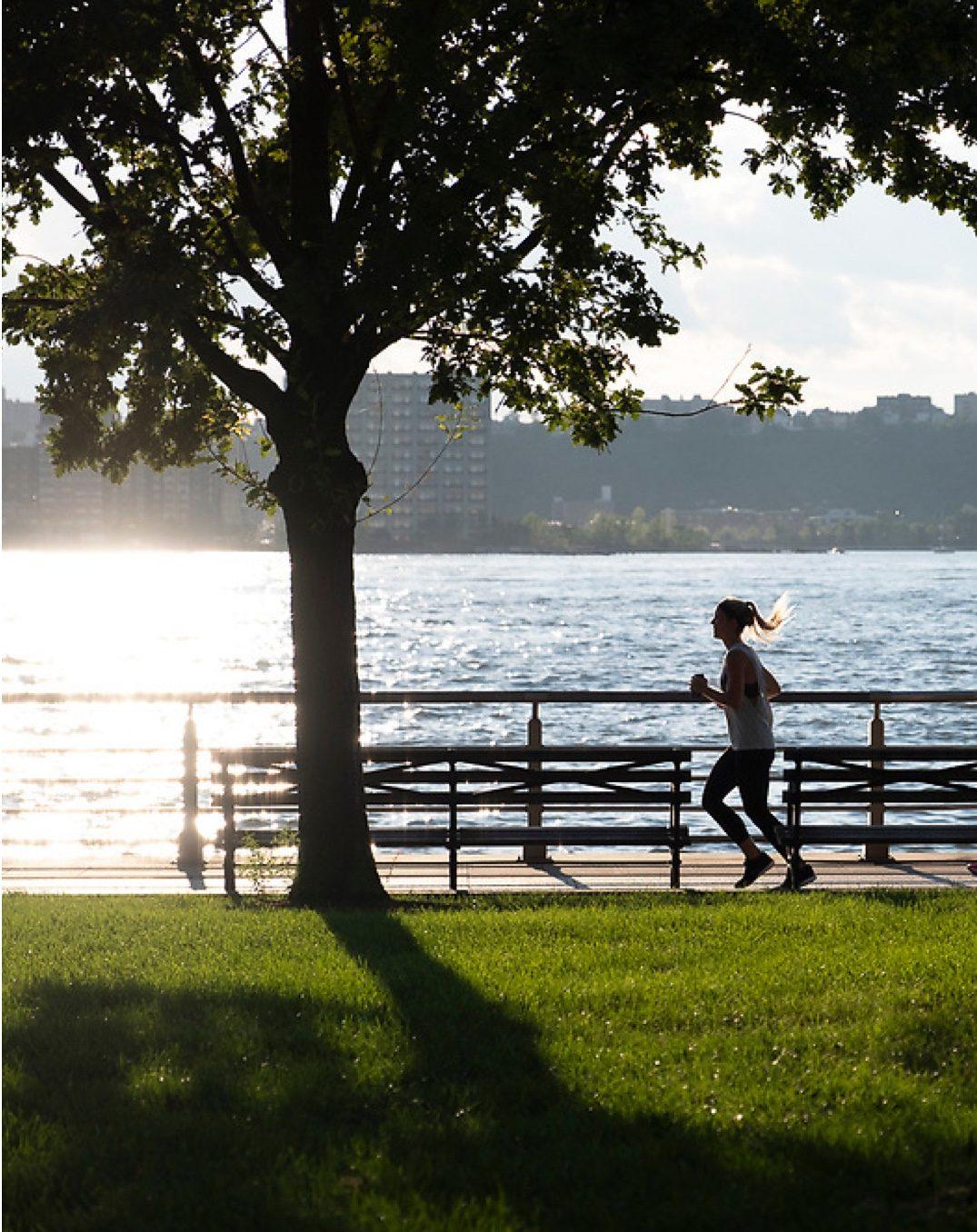 woman running in hudson river park near 532 W 20