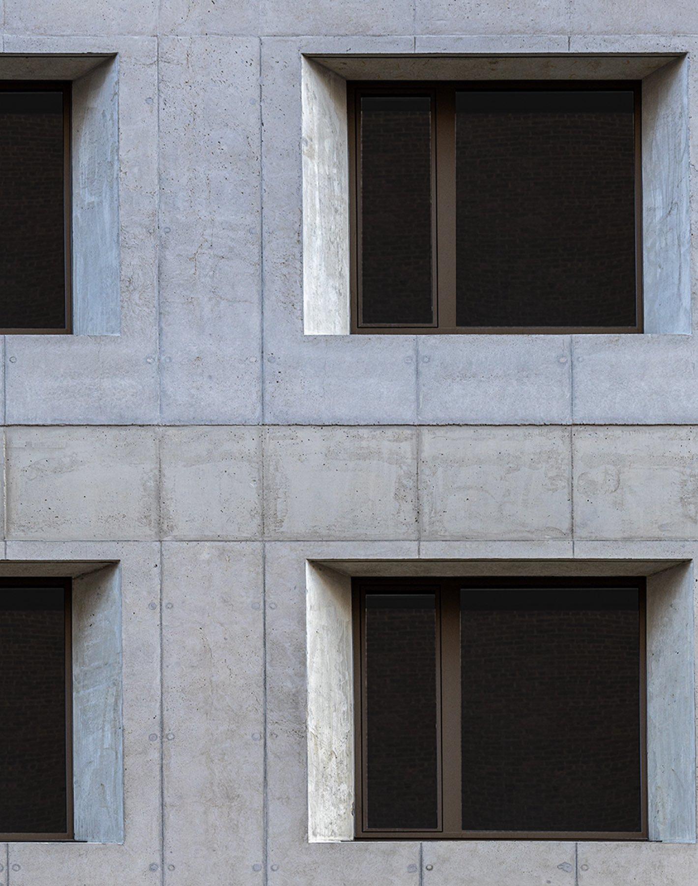 532 W 20 facade windows
