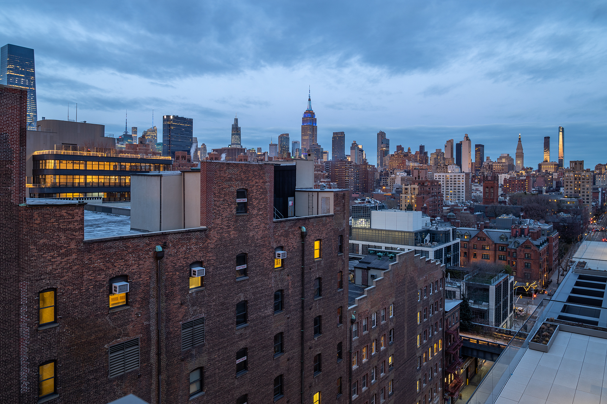 532 W 20 rooftop with midtown nyc views