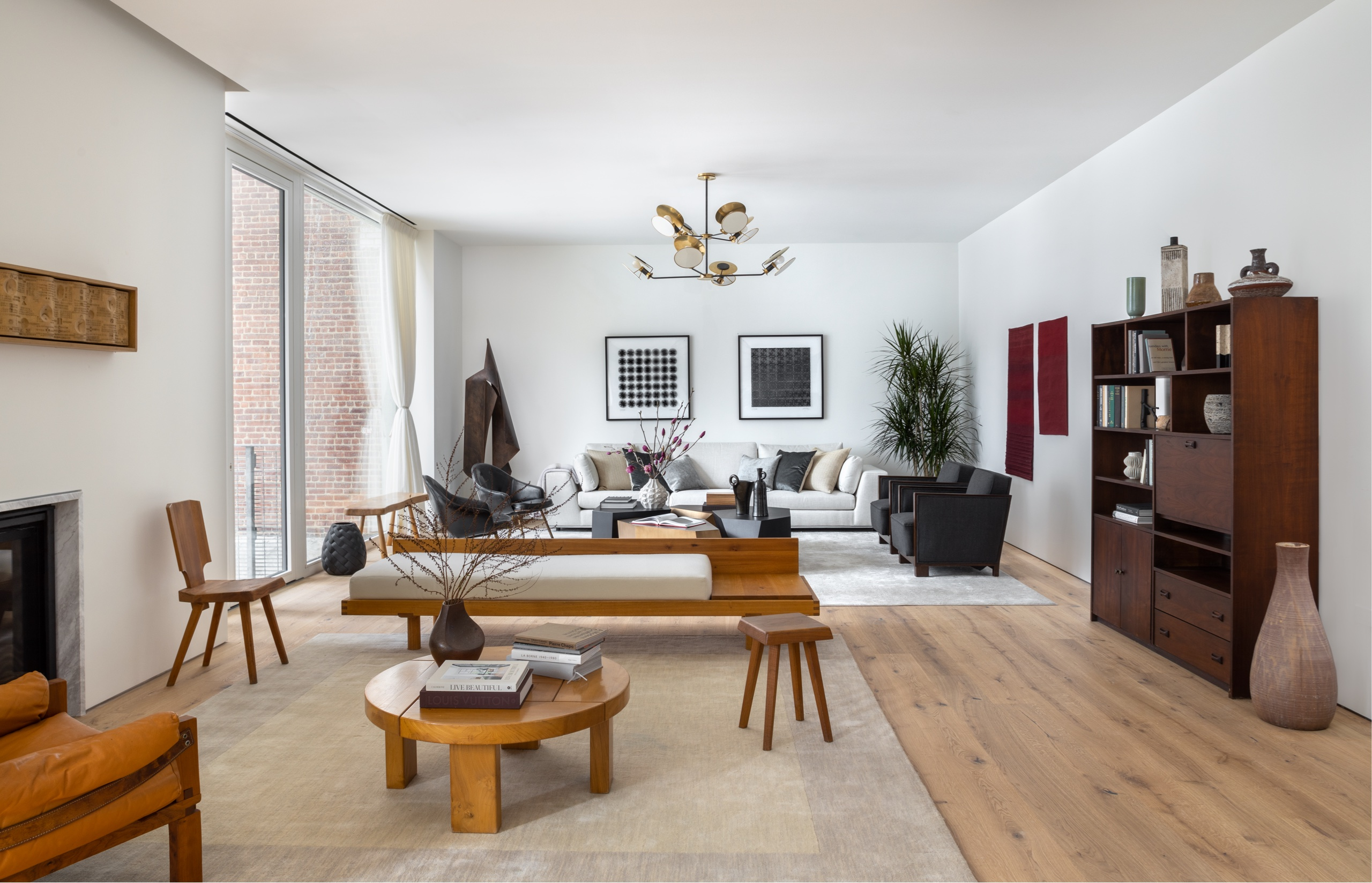 living room with soaring ceilings at 532 W 20 west chelsea condos